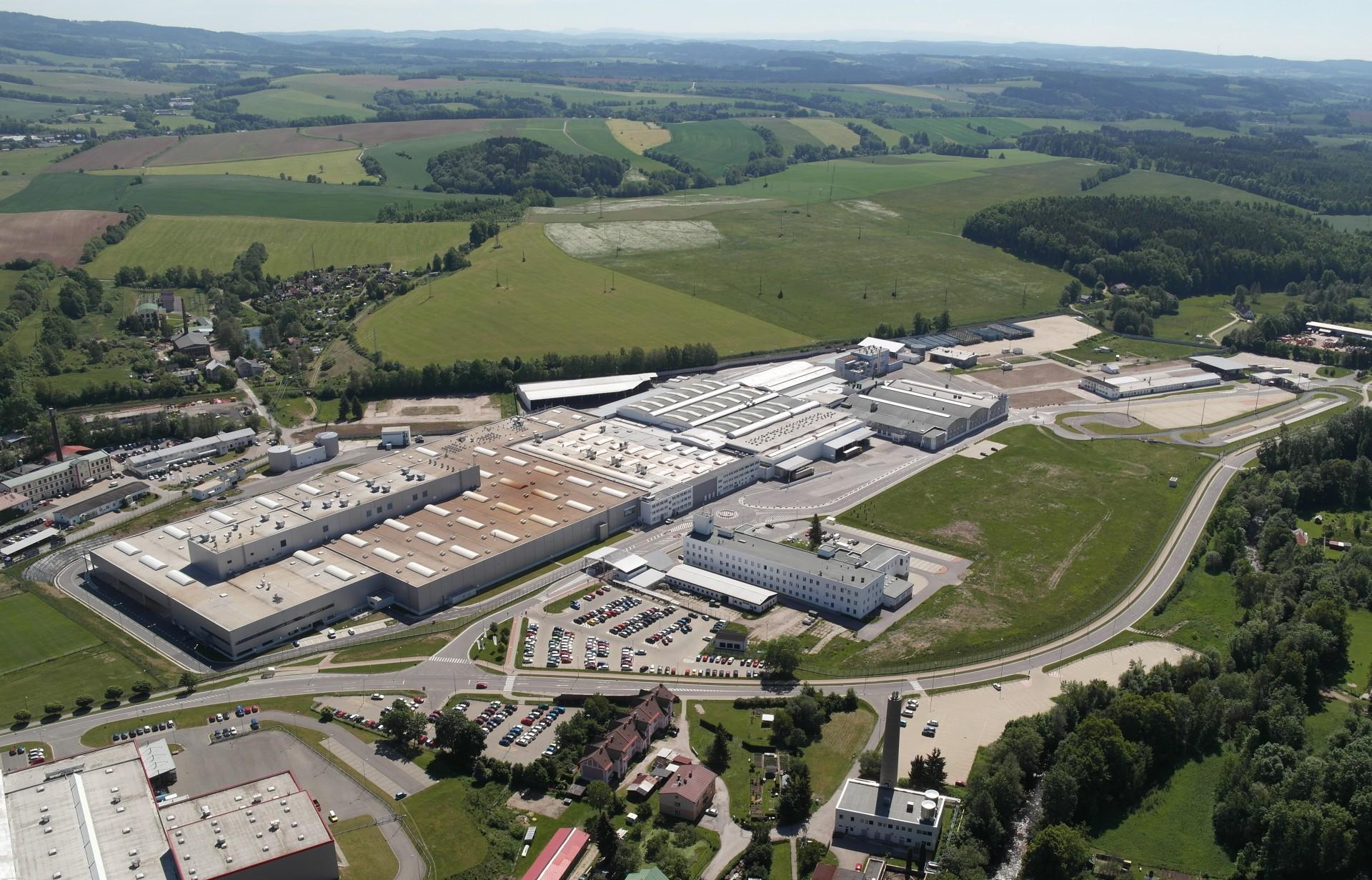 Závod Škoda vo Vrchlábí prudko znížil emisie, do konca roka bude uhíkovo neutrálny