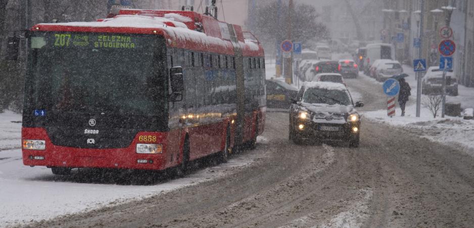 Zimná údržba v Bratislave nie je lacná, napriek tomu kontrola ukázala nedostatky