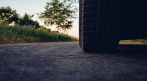 Video: Jazdiť celoročne na zimných pneumatikách sa neoplatí