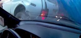 Masívna nehoda zachytená účastníkom. Toto z vás ostane po nájazde kamióna