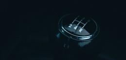 Jazda smanuálnou prevodovkou bez použitia spojky. Je to možné!