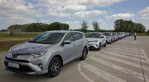Obzreli sme sa za dvoma dekádami vývoja hybridov Toyota