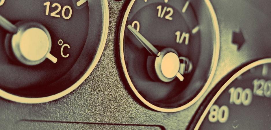 Jazdíte so stále prázdnou nádržou? Vyhýbajte sa tomu