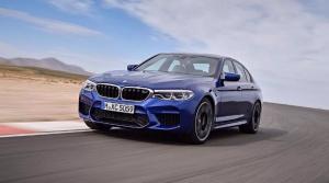 Prichádza BMW M5, prepnutím režimu sa zmení zo štvorkolky na driftovaciu mašinu