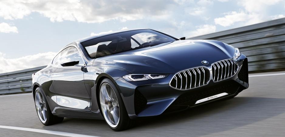 Sériové BMW radu 8 sa začne vyrábať budúci rok a dostane digitálnu asistentku Alexu