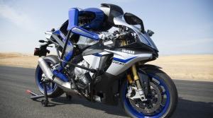 Valentino Rossi čelil v súboji robotickej motorke
