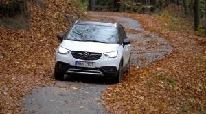 Test Opel Crossland: Naftový motor premieňa malý Opel na diaľničné auto