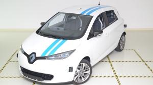 Renault sa automaticky vyhne prekážke rovnako dobre, ako pretekár