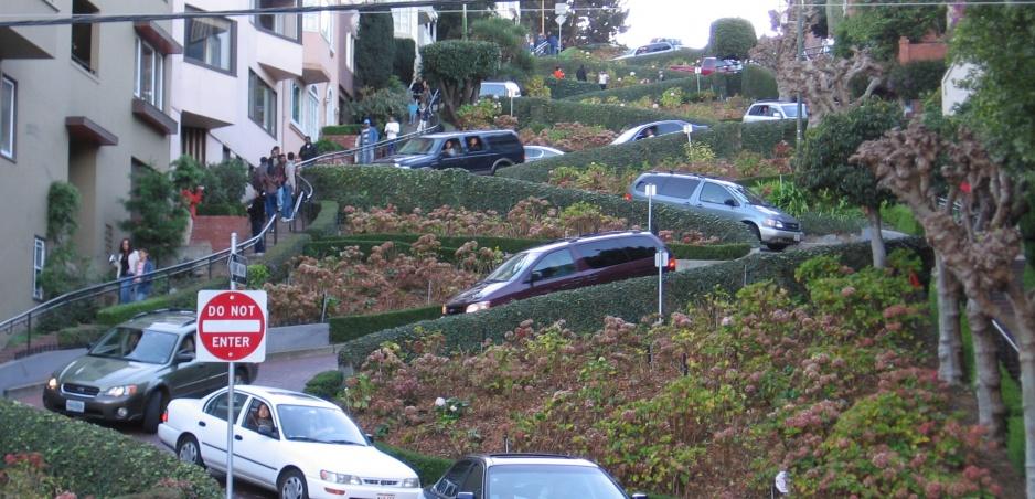 Najfascinujúcejšie cesty sveta 3: Lombard Street (vyberáme z archívu)