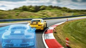 Porsche vás autonómne prevezie po okruhu rovnako, ako Mark Webber