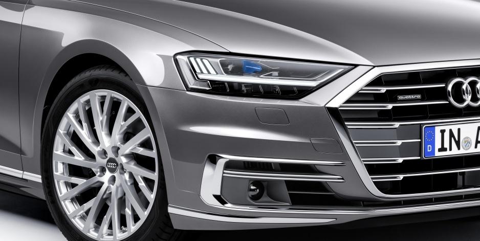 Audi A8 svetlo