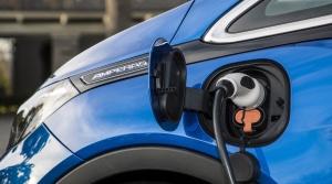 PSA žiada naspäť približne polovicu peňazí, zaplatených za Opel, dôvodom sú emisie