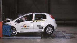 Fiat Punto je prvé auto so ziskom nula hviezdičiek v nárazových testoch Euro NCAP.
