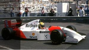 Víťazný McLaren Ayrtona Sennu z Monaka 1993 je na predaj