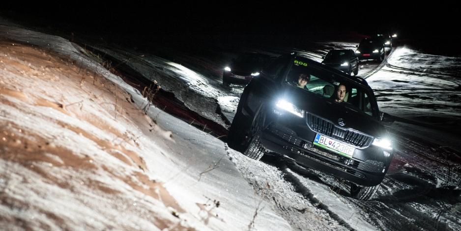 Škoda Karoq náklon sneh