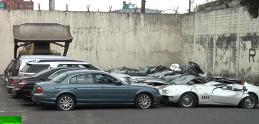 Porsche, BMW a ďalšie. Na Filipínach likvidovali luxusné pašované autá na príkaz prezidenta