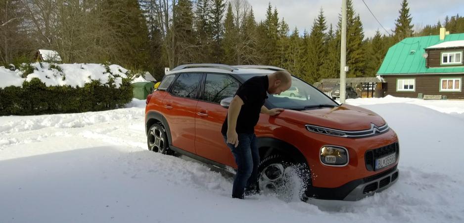 Ako parkovať na snehu v aute s automatickou prevodovkou