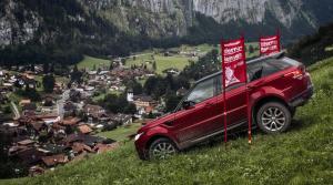 Range Rover zdolal lyžiarsky zjazd Inferno