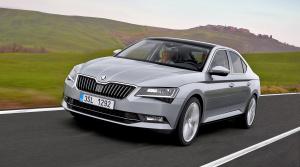 Škoda Superb plug-in hybrid dostane techniku Passatu GTE, ale s väčšou batériou