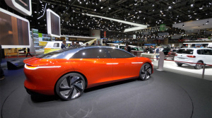 Autosalón Ženeva: Volkswagen I.D. Vizzion volant nepotrebuje