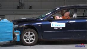 Crash test ukázal, ako môže vek a hrdza vplývať na bezpečnosť auta