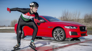 Jaguar predstavil XE 300 Sport netradične, pretekmi s olympijským víťazom