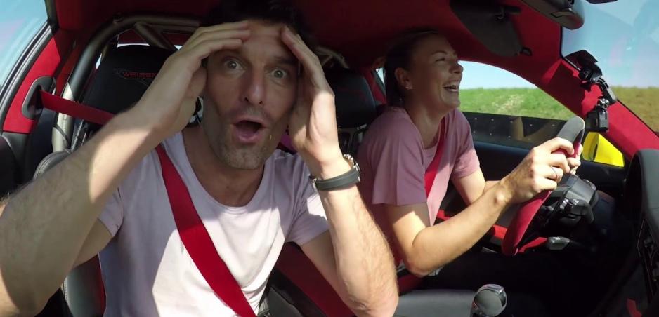 Webber a Šarapovová otestovali najrýchlejšie Porsche 911