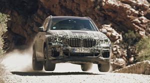 Nové BMW X5 napína svaly v rôznom teréne