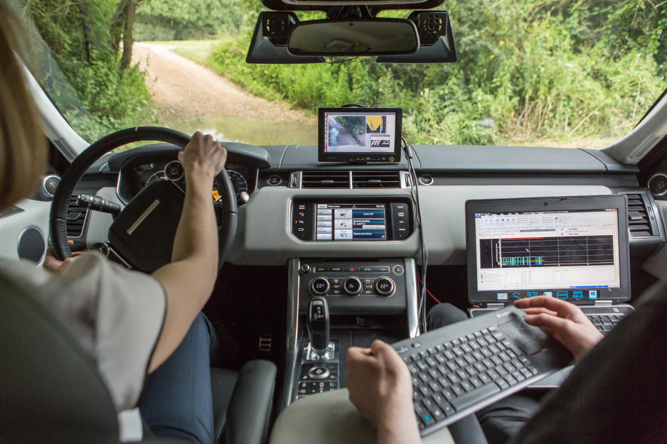 JLR autonómne off-road