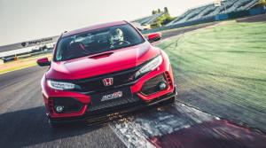 Honda Civic Type R postupne zbiera rekordy na okruhoch