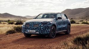 Mercedes odhaľuje kamuflované elektrické SUV EQC na nových fotkách