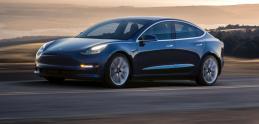 Tesla konečne dosiahla cieľ. 5000 Modelov 3 týždenne