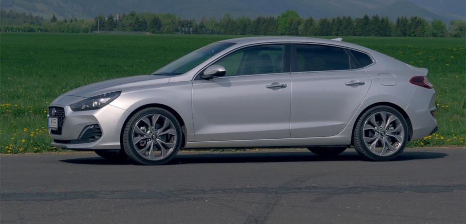 Test: Hyundai i30 Fastback prináša osobitý štýl