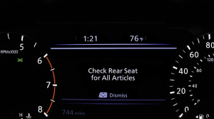 Nový systém od Nissanu vás varuje, ak si dieťa zabudnete v aute