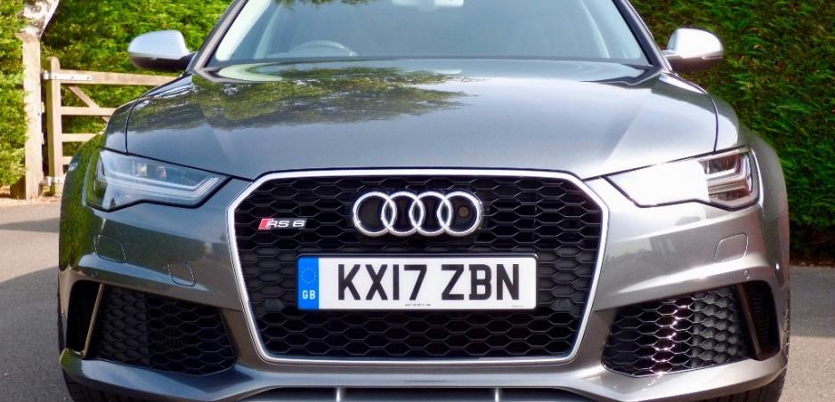 Zháňate kráľovské auto? RS6 princa Harryho môže byť vaše