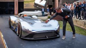 Mercedes Vision EQ Silver Arrow: Minulosť má miesto aj v budúcnosti