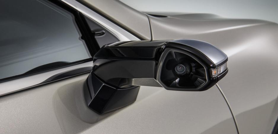 Lexus predbehne Audi. Ako prvý použije kamery namiesto zrkadiel