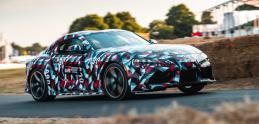 Nová Toyota Supra: Ako výrobcovia áut maskujú prototypy?