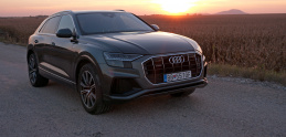 Test Audi Q8: Šesť zmyslov na štyroch kolesách
