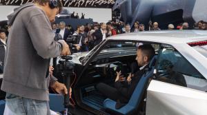 Galéria: Najväčšou hviezdou Peugeotu v Paríži je koncept e-Legend