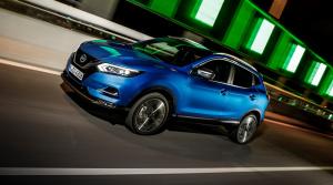 Aj Nissan Qashqai dostane benzínový štvorvalec vyvíjaný s Mercedesom