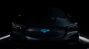 Hybridný Mustang alebo elektrický crossover? Prvé video odpoveď nedáva