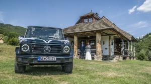 Test Mercedesu triedy G: V teréne voz, na svadbe koč