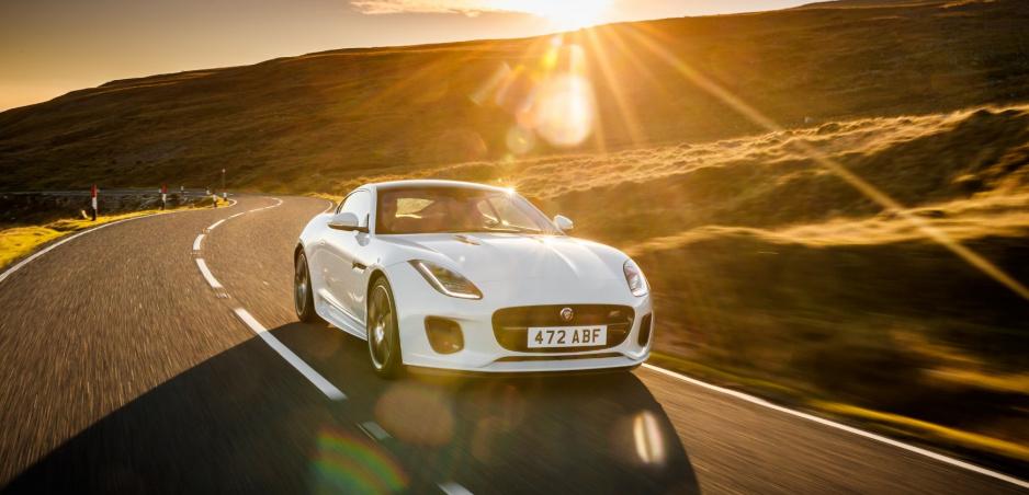 Jaguar oslavuje 70 rokov športových áut špeciálnou edíciou F-Type Chequered Flag