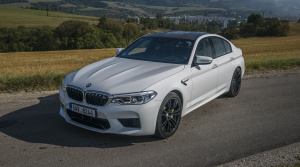 Test: BMW M5 je brutálne rýchla, ale stále pohodlná manažérska limuzína
