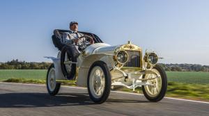 Škoda vrátila život jedinému zachovanému Laurin & Klement BSC z roku 1908