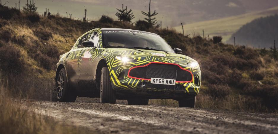 Aston Martin ukázal prototyp svojho prvého SUV DBX vo videu