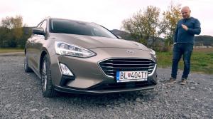 Test: Ford Focus doslova zhltne nerovnosti v zákrutách