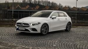 Test: Mercedes A napol svaly, ale vyrovná sa väčším súrodencom?