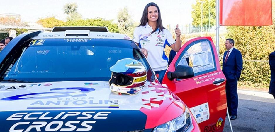 Za volant Mitsubishi Eclipse Cross sa na Dakare posadí Cristina Gutierrez